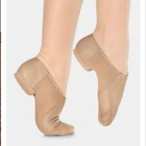 Little and big girls tan jazz shoes 13.5